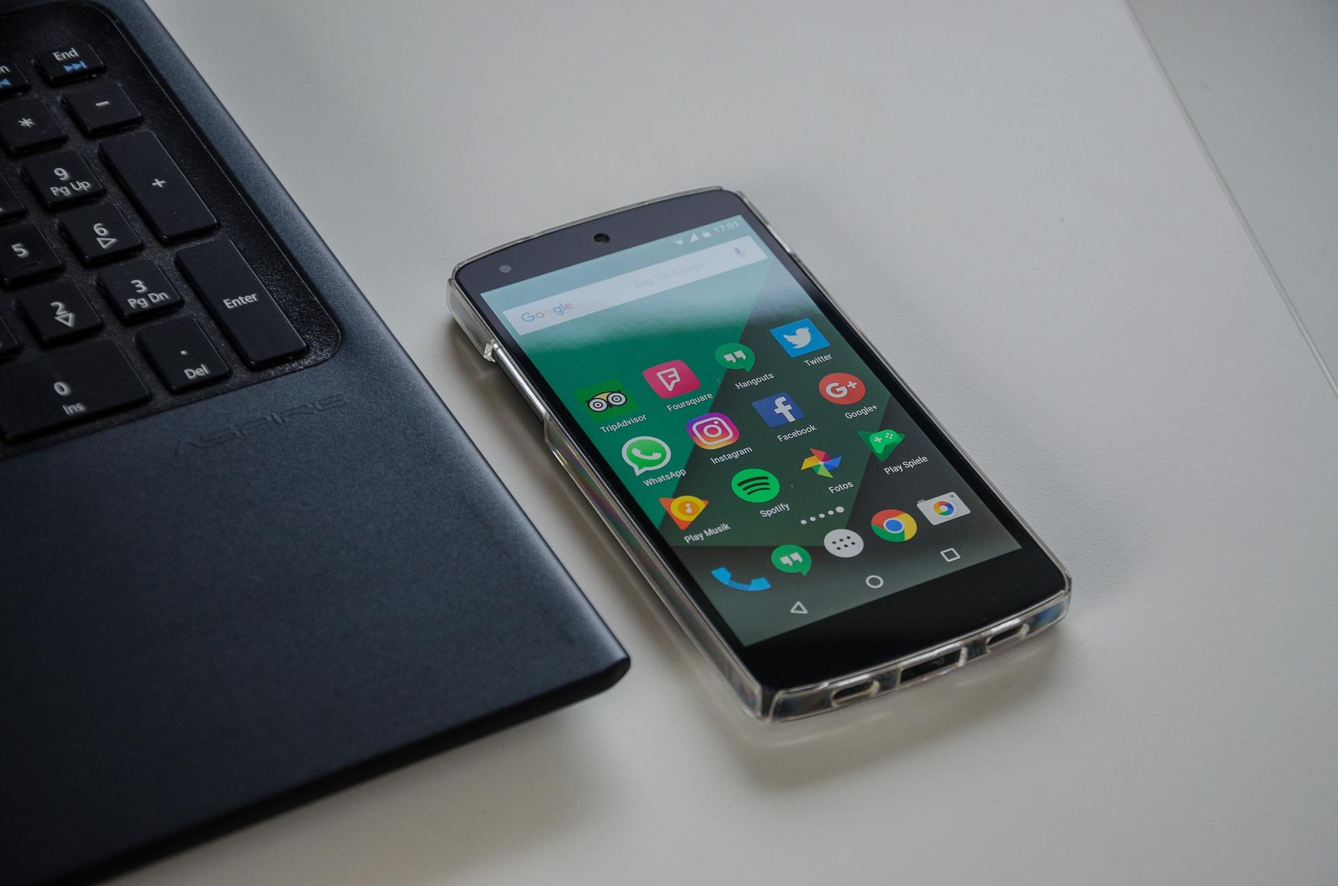 smartphone-1701086_1920